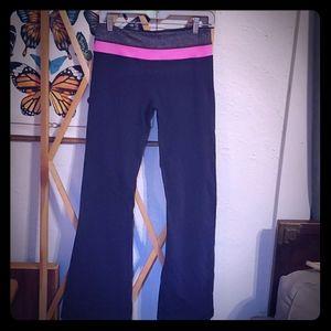 Reversible navy blue yoga pants